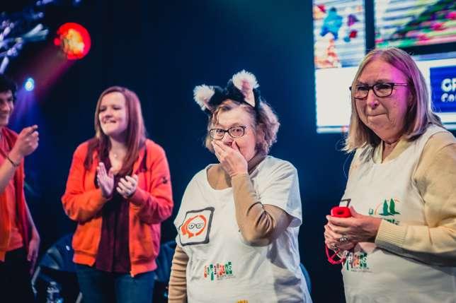 Geneviève et Marie, émues après leur victoire en finale des quatrième Trophées de Séniors à la Gamers Assembly